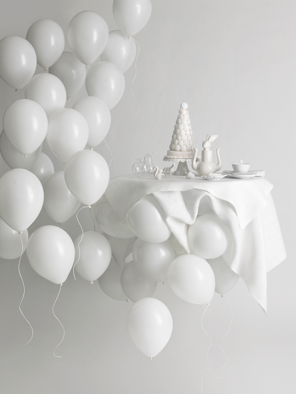Beautiful decor for an all white party homesthetics for All white party decoration ideas